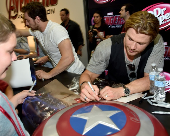 Marvel+Avengers+Age+Ultron+Booth+Signing+During+ Photo Cred Zimbio.jpg