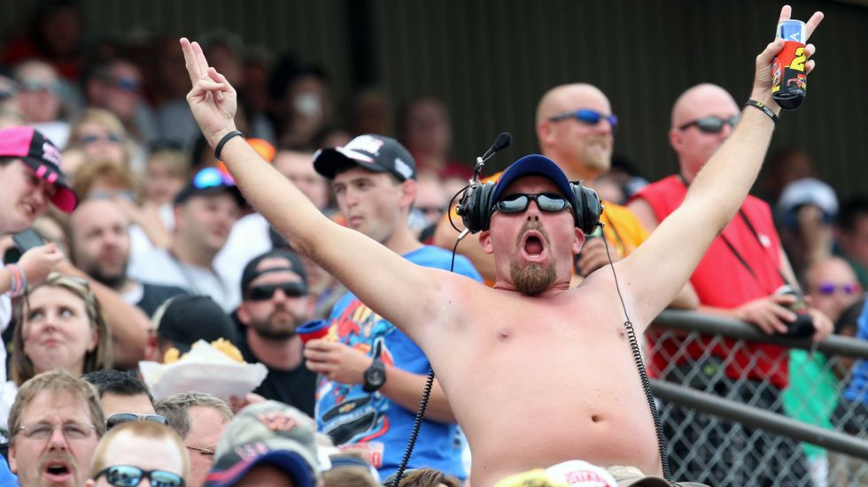 041215-NASCAR-charlotte-fan-LN-PI.vadapt.980.high.47.jpg