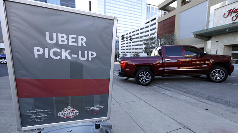 Super_Bowl_Houston_Uber_Football_26732-850x478.jpg
