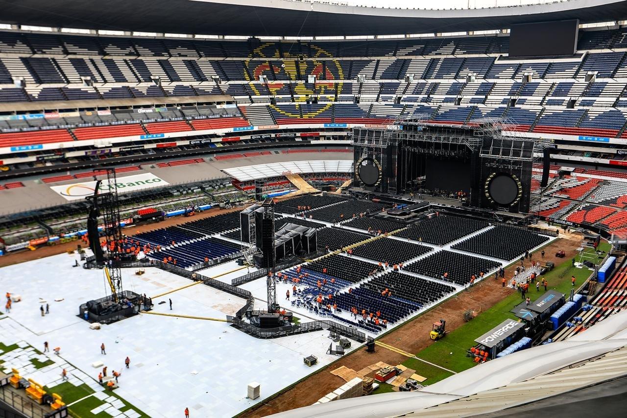 Shakira Mexico City