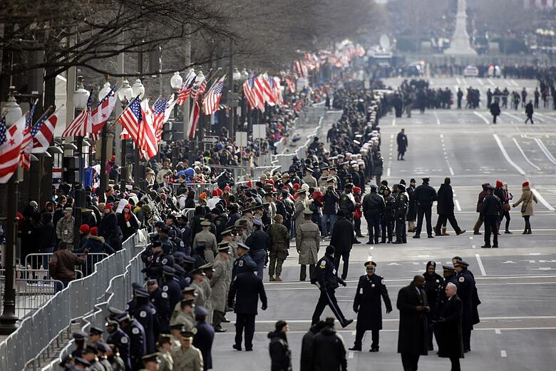 VOANews ap_us_inauguration_security_21Jan13-975x650.jpg