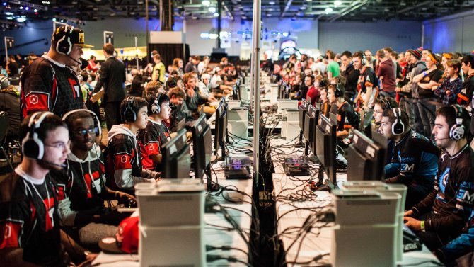 call-of-duty-tournament-at-mlg-championship.jpg