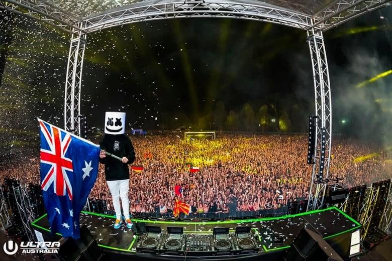 Ultra Australia Night Crowd